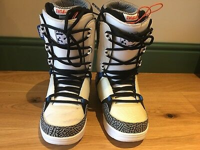[Clearance] Past Season ThirtyTwo 32 Mens Snowboard Boots UK 8 White/Black/Blue