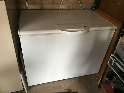 Electrolux - Zanussi lockable chest or larder freezer with keys and manual