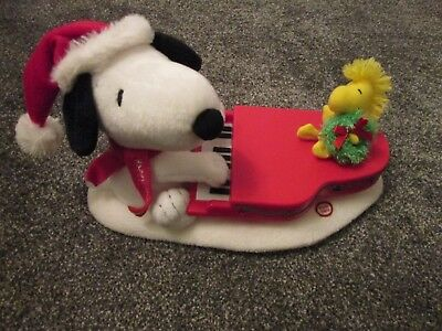 Hallmark - Swingin  Snoopy  And Woodstock - Music And Lights - Christmas - Cute