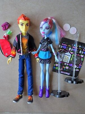 Monster High couple Abby et Hearh Burns