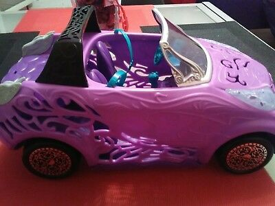 voiture poupées Monster high