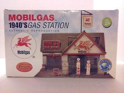 1940's MOBILGAS Gas Station 1:43 Scale Model - Cold Cast Resin - NEW IN BOX!