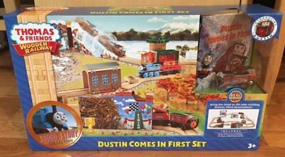 Thomas the Tank Engine Dustin Comes in First Railway Train Set NEW!