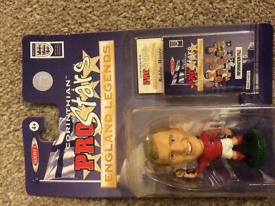 BOBBY MOORE  England Legends Corinthian Prostars rare figure collectible