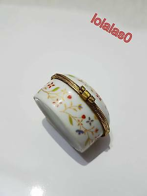 Nice Rare Vintage  white ceramic box decorated with flowers and golden edges