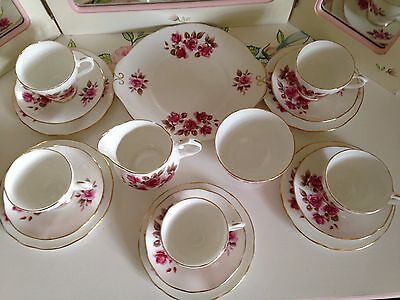 Duchess fine bone China 18 piece teaset - deep pink roses - vintage