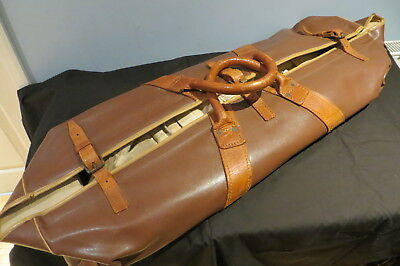 VINTAGE 1930s/40s CRICKET BAG AND CONTENTS