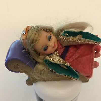 1967Mattel Storybook Sleeping Biddle Tiara Shoes Pantaloons Chaise Lounge