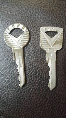 vintage lot of 2 Ford Car Truck Keys ignition and door USA