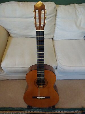 Yamaha C40 Full Size Classical Acoustic Guitar - Ideal for Students