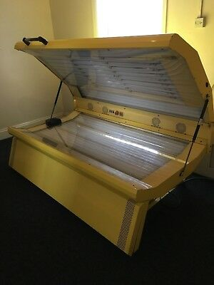 COMMERCIAL SUNBED - GBR - NEW TUBES - ONLY 200 Hours Used