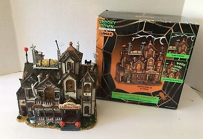 Lemax Spooky Town Porcelain Dr Tingle's Laboratory Lighted House Sound 2000
