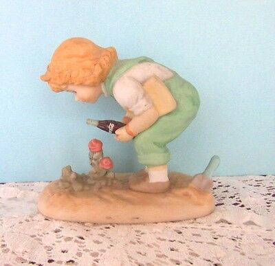 """Coca Cola """"Life Offers The Most Incredible Surprises"""" 1998 collectible figurine"""