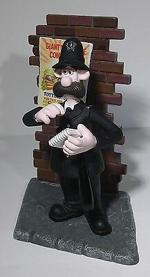 McFarlane Toys 2005 Wallace and Gromit British Bobby Loose Figure UK Policeman