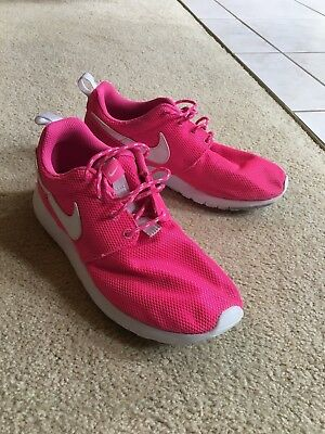 Nike Roshe One Youth Girls Athletic Shoes Sneakers Run  Pink Blast/ White Size 4