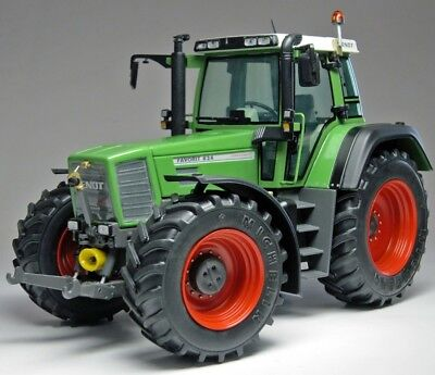 weise-toys 1002 Fendt Favorit 824 Maßstab 1:32