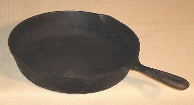 Antique Cast Iron Large SKILLET Double Pour Fry Pan 781r