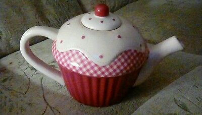 Debenhams Cute Cup Cake Tea Pot