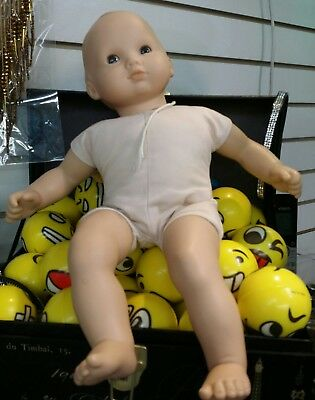 Bitty baby doll BY AMERICAN GIRL blue eyes preowened
