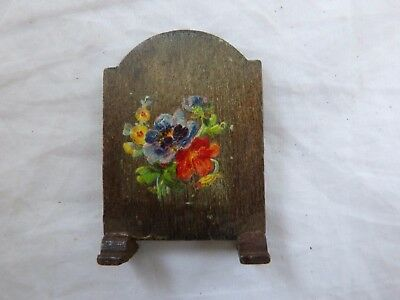Dolls' House Miniatures - Pit A Pat Fire Screen Decorated With Flowers