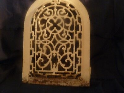 ANTIQUE CAST IRON ARCH TOP WALL REGESTER GOTHIC ARCH FOUR LEAF CLOVER victorian