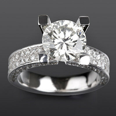 Solitaire Vs 2.5 Carat Round & Accents Diamond 14 Kt White Gold Anniversary Ring
