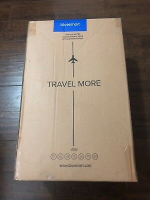 Bluesmart One  Smart Luggage  GPS, Remote Locking, Battery Charger New!!!!