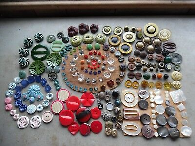1+LBS Antique Vintage Button Lot/Old Collection Glass Bakelite Metal Celluloid