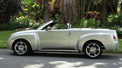2005 Chevrolet SSR UP GRADES 2005 CHEVROLET SSR RETRACTABLE HARD TOP CONVERTIBLE ONE FLA. OWNER THE RIGHT ONE