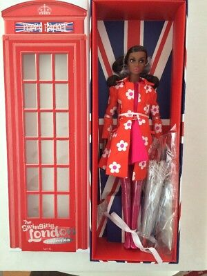 Integrity Toys The Swinging London Collection Sunny Slickers Poppy Parker NRFB