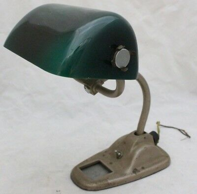 Vintage Bankers Green Shade Table Desk Lamp - 209