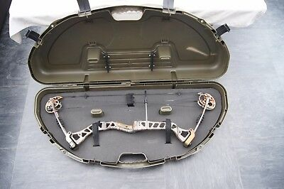 Plano Protector Series #1110 Compact Bow Case, Green