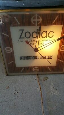 Vintage 1960s Zodiac Watch INTERNATIONAL Jewelers  Light Up Pam Clock WORKS RARE