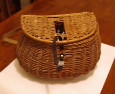 1950s vintage Trout Fishing creel, basket, straw/brown coloured wicker