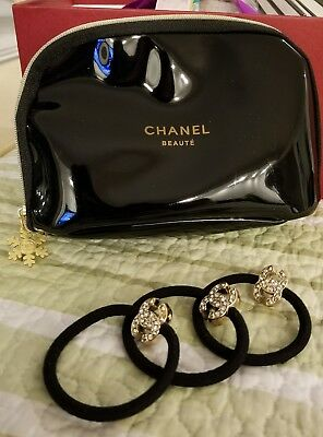 New Chanel Beaute 4 Piece Gift Set Hair Tie With Gold Snowflake Black Makeup Bag