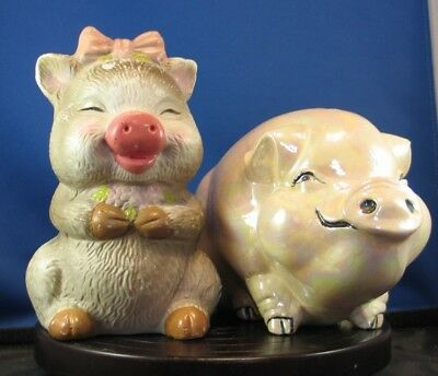 * Lot of 2 ceramic pig shaped piggy banks
