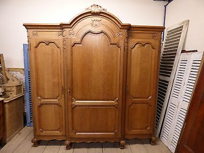 Impressive Antique French Armoire / Wardrobe - g12
