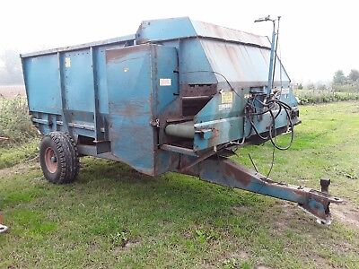 Kuhn type feed wagon - Spares or repairs composter