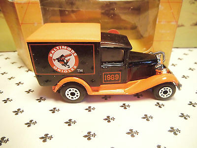 Matchbox Model MB38 BALTIMORE 1989 Brown Van Orange   Roof  small  Scale