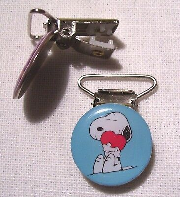 C33 - Clip Pince Bretelle, Crocodile, Attache Tétine - Chien Snoopy Coeur Rouge