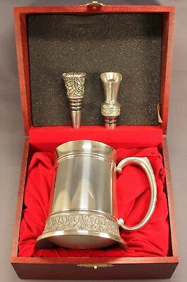 Wonderful Set V&A ROYAL SELANGOR Pewter TANKARD & WINE BOTTLE STOPPERS Pourer