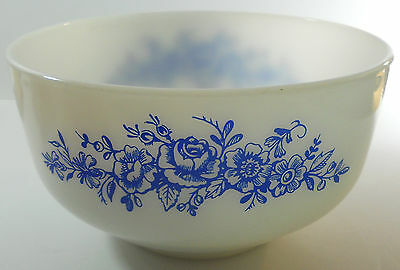 Vintage Federal Glass Blue Roses Heat Proof Mixing Bowl 2 1/2 Quart USA