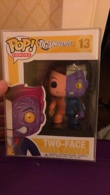 Funko POP! Two-Face DC Universe (#13) - RARE! GREAT CONDITION!  NEW