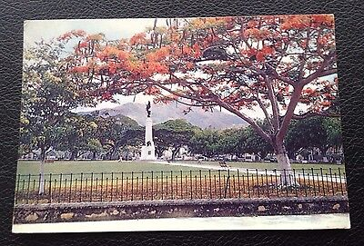 Postcard: Trinidad: War Memorial: Un Posted