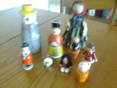 Small collecton of small vintage wooden dolls/toys, handpainted, various conds