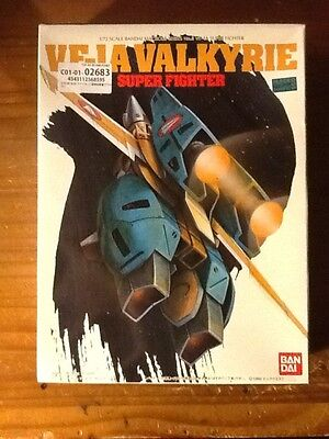 macross VF-1A VALKYRIE 1/72 MODELKIT*BANDAI SUPER FIGHTER