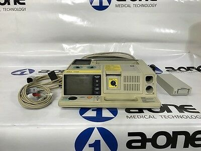 Zoll 1700 Defib With Pacing, Ecg, Analyze (Aed Mode)