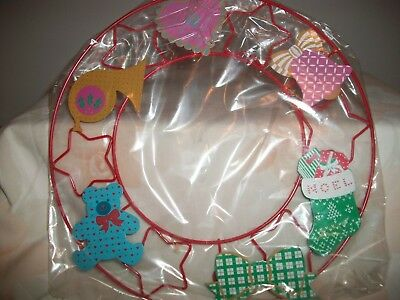 Avon Signs Of Christmas Magnet Wreath