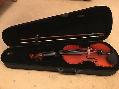 Ashton Violin 4/4 complete with case, excellent condition, may need to tune.