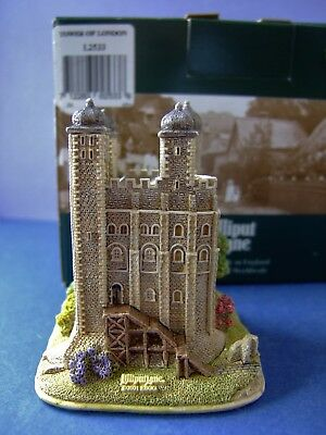 A Lilliput Lane Tower of London (L533) Boxed but no  Deeds